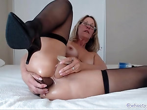 phillipina pussy bent over